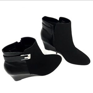 NWT Impo black wedge Ankle Booties size 9.5